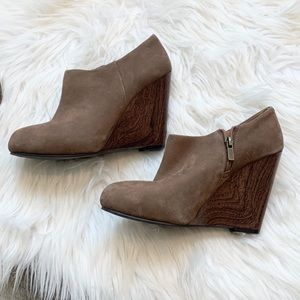 Hive & Honey Suede and Wood Wedge Booties Size 8